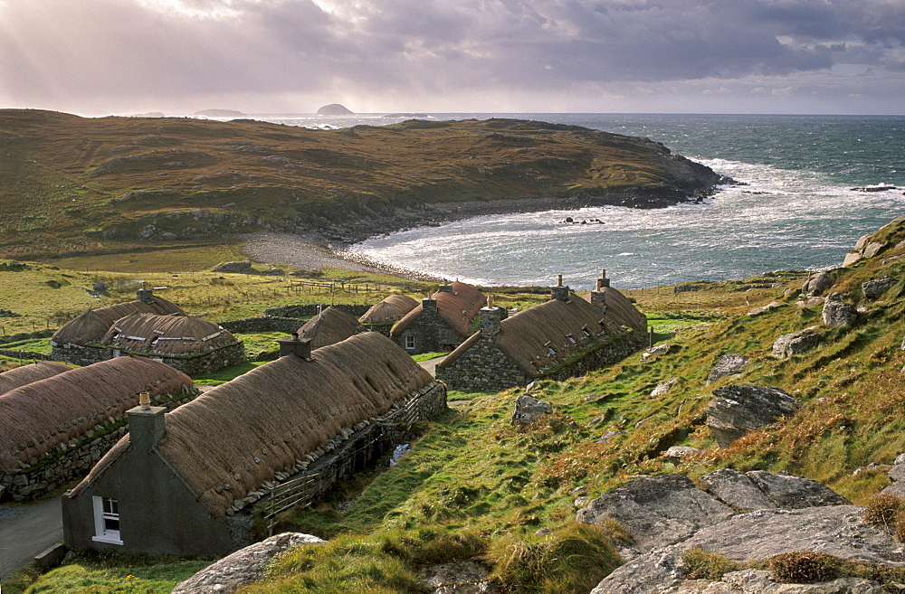 Garenin Black House village, Garenin (Gearranan), west coast of Lewis, Isle of Lewis, Outer Hebrides, Scotland, United Kingdom, Europe - 770-684