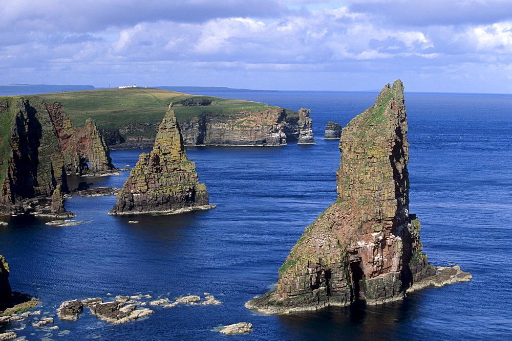 Sea stacks of Duncansby, Caithness, Highland region, Scotland, United Kingdom, Europe
