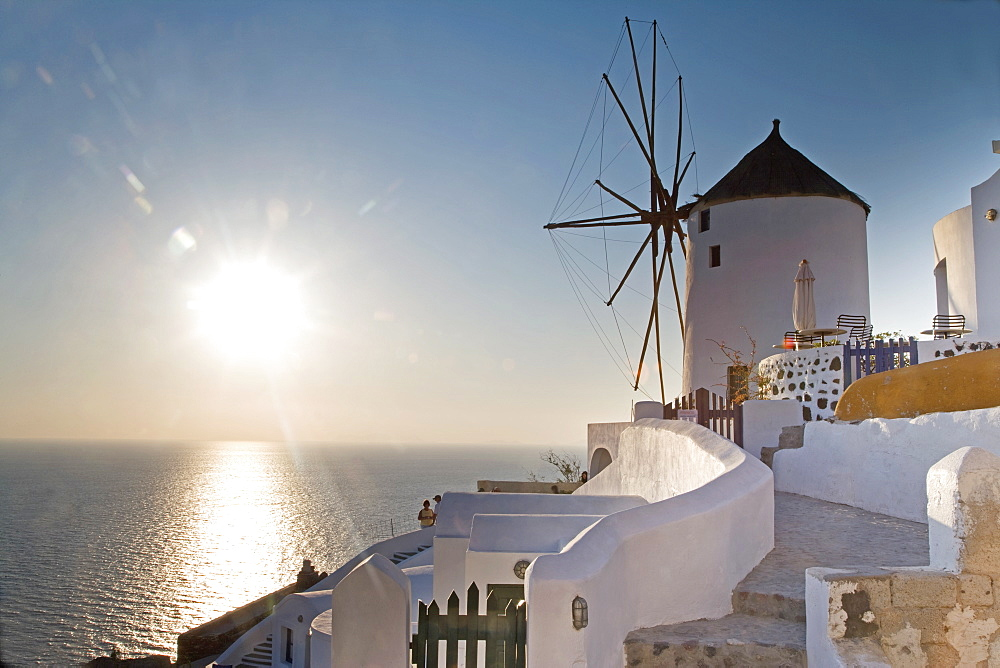 Windmill, Oia, Santorini (Thira), Cyclades Islands, Greek Islands, Greece, Europe - 772-1290