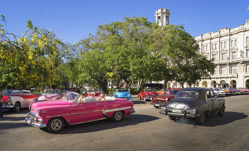 Old American cars in Havana, Cuba, West Indies, Caribbean, Central America - 772-3671