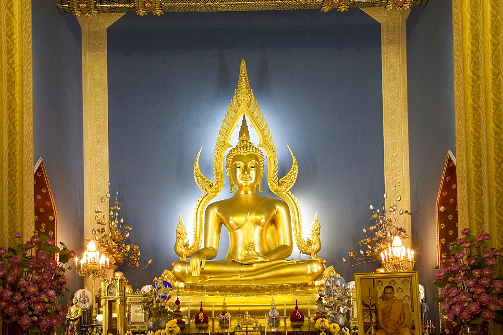 Giant golden statue of the Buddha, Wat Benchamabophit (Marble Temple), Bangkok, Thailand, Southeast Asia, Asia