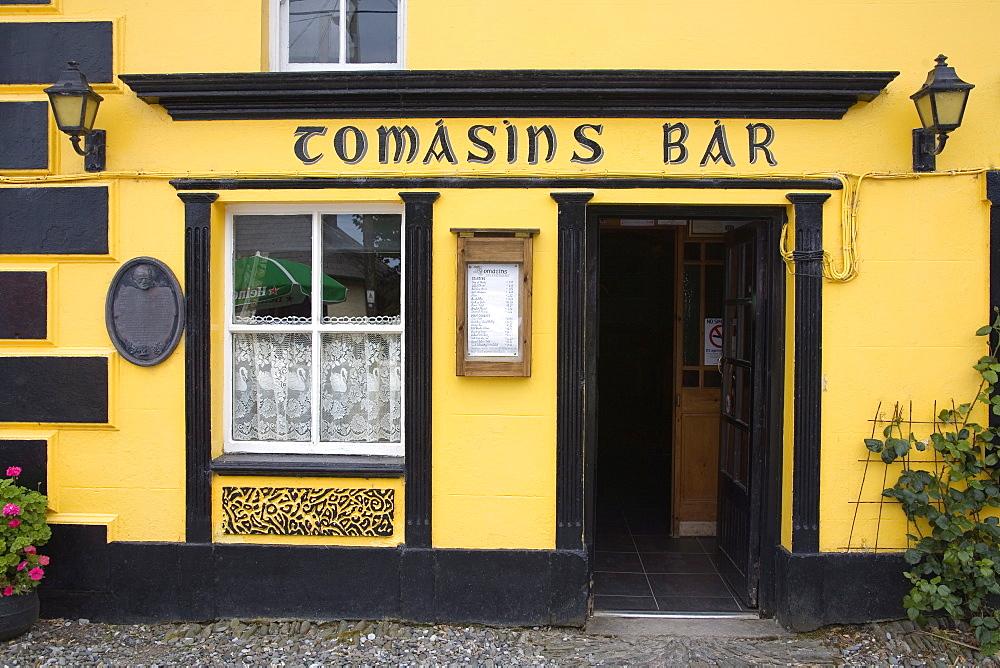 Tomasins Pub, Stradbally Village, Dingle Peninsula, County Kerry, Munster, Republic of Ireland, Europe