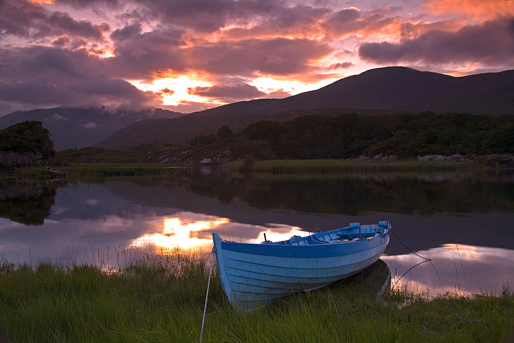 Boat, Upper Lake, Killarney National Park, County Kerry, Munster, Republic of Ireland, Europe