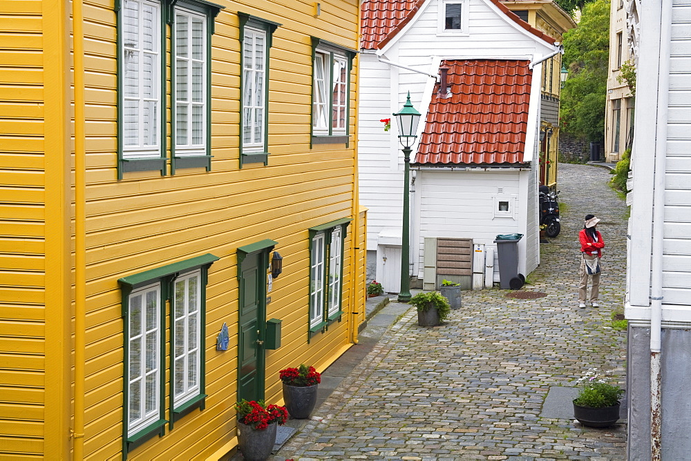 Wooden buildings in the Old Town District, Bergen City, Hordaland District, Norway, Scandinavia, Europe - 776-1811