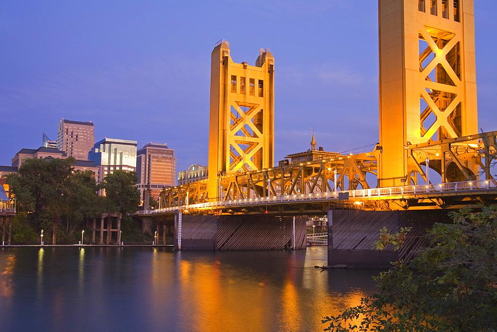 Historic Tower Bridge over the Sacramento River, Sacramento, California, United States of America, North America