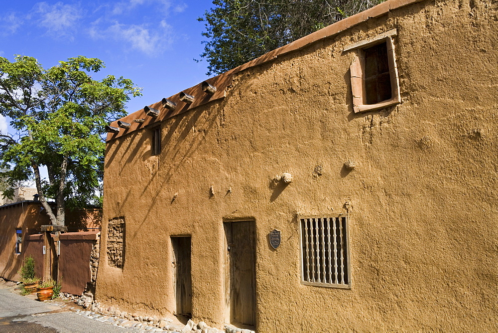 Oldest house in the USA on the Old Santa Fe Trail, Santa Fe, New Mexico, United States of America, North America