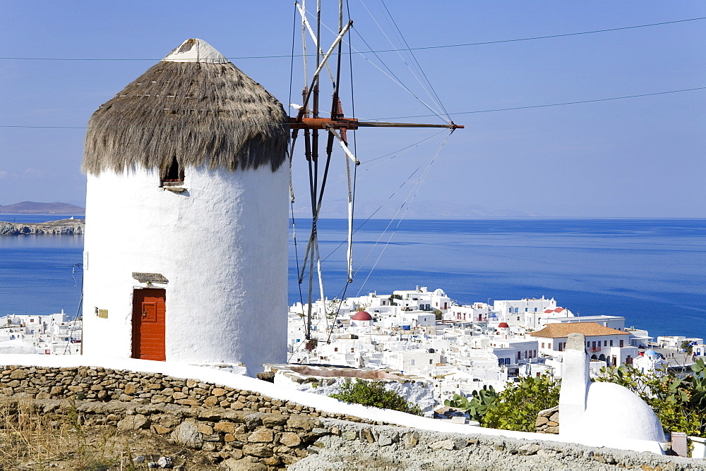 Bonis Windmill at the Folklore Museum in Mykonos Town, Island of Mykonos, Cyclades, Greek Islands, Greece, Europe