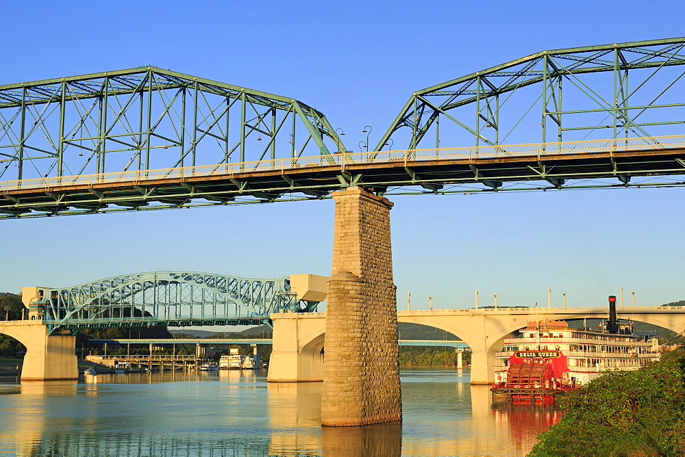 Walnut Street Bridge and Tennessee River, Chattanooga, Tennessee, United States of America, North America