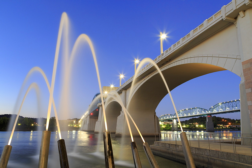 Ross's Landing Fountain and Market Street Bridge, Chattanooga, Tennessee, United States of America, North America
