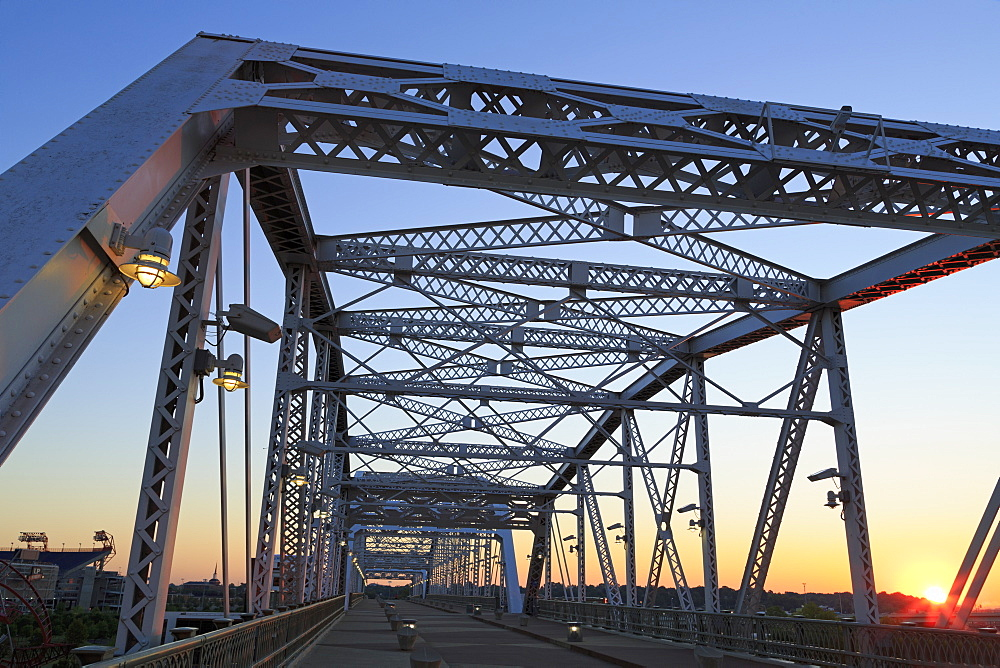Shelby Bridge over the Cumberland River, Nashville, Tennessee, United States of America, North America