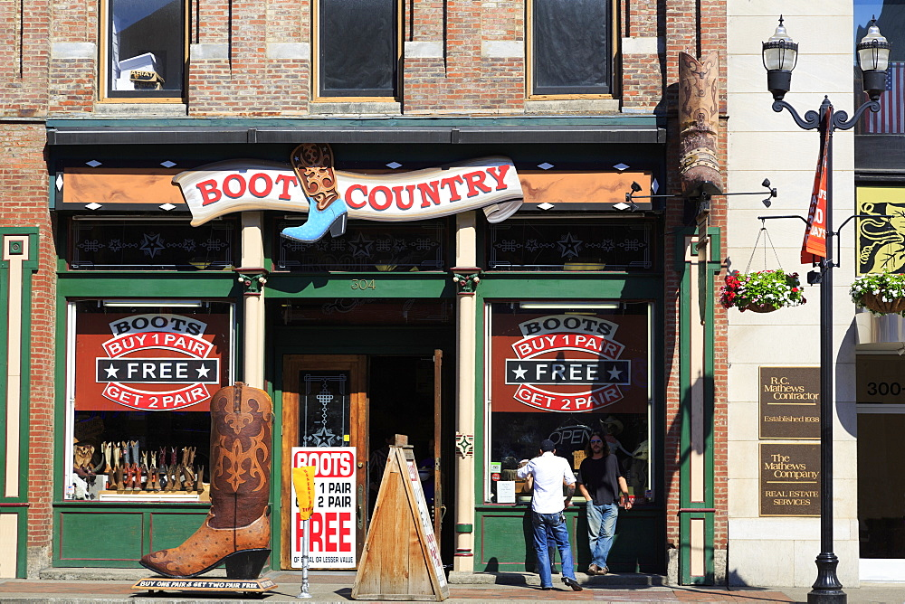 Boot store on Broadway Street, Nashville, Tennessee, United States of America, North America