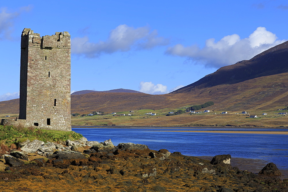 Kildownet Castle on Achill Island, County Mayo, Connaught (Connacht), Republic of Ireland, Europe