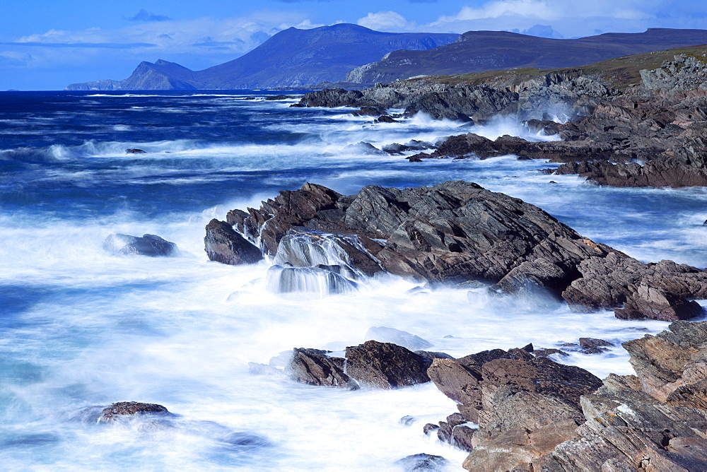 Coastline on Atlantic Drive, Achill Island, County Mayo, Connaught (Connacht), Republic of Ireland, Europe