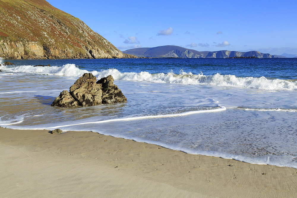 Keem Beach on Achill Island, County Mayo, Connaught (Connacht), Republic of Ireland, Europe