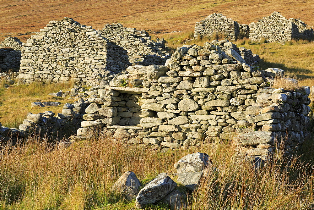 Deserted village on Achill Island, County Mayo, Connaught (Connacht), Republic of Ireland, Europe