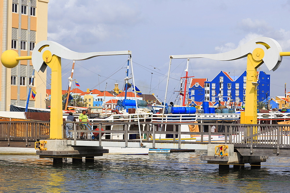 Smith Bridge, Punda District, Willemstad, Curacao, West Indies, Netherlands Antilles, Caribbean, Central America