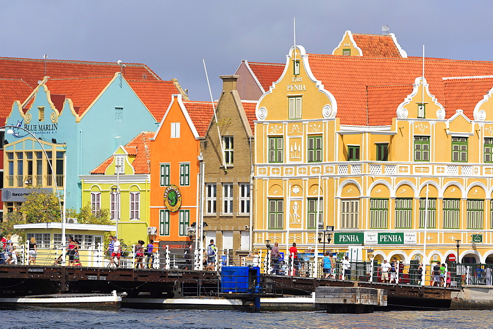 Buildings on Handelskade Street, Punda District, UNESCO World Heritage Site, Willemstad, Curacao, West Indies, Netherlands Antilles, Caribbean, Central America