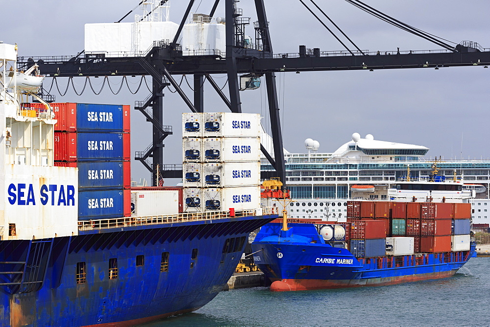 Container ship in Port Everglades, Fort Lauderdale, Florida, United States of America, North America