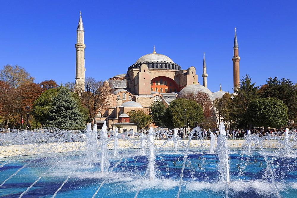 Haghia Sophia, UNESCO World Heritage Site, Sultanahmet District, Istanbul, Turkey, Europe