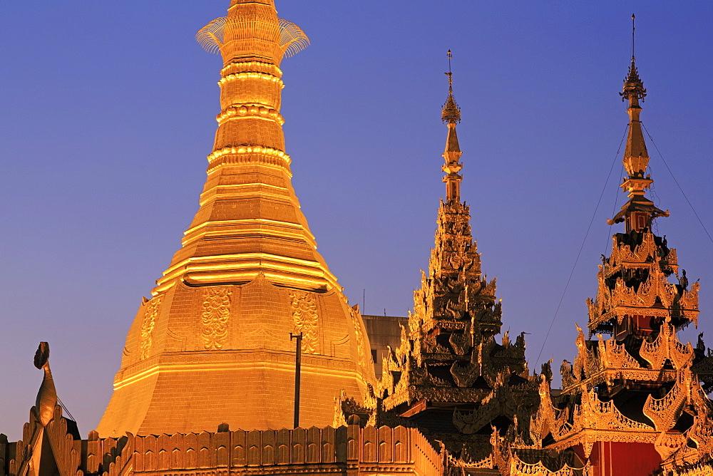 Sule Pagoda, Yangon (Rangoon), Myanmar (Burma), Asia