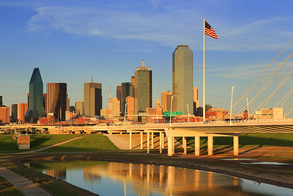 Trinity River and skyline, Dallas, Texas, United States of America, North America - 776-4710