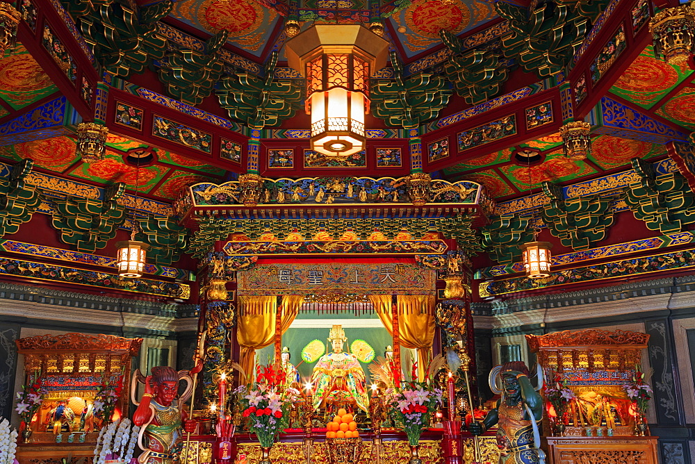 Masobyo Temple, Chinatown, Yokohama, Honshu Island, Japan, Asia