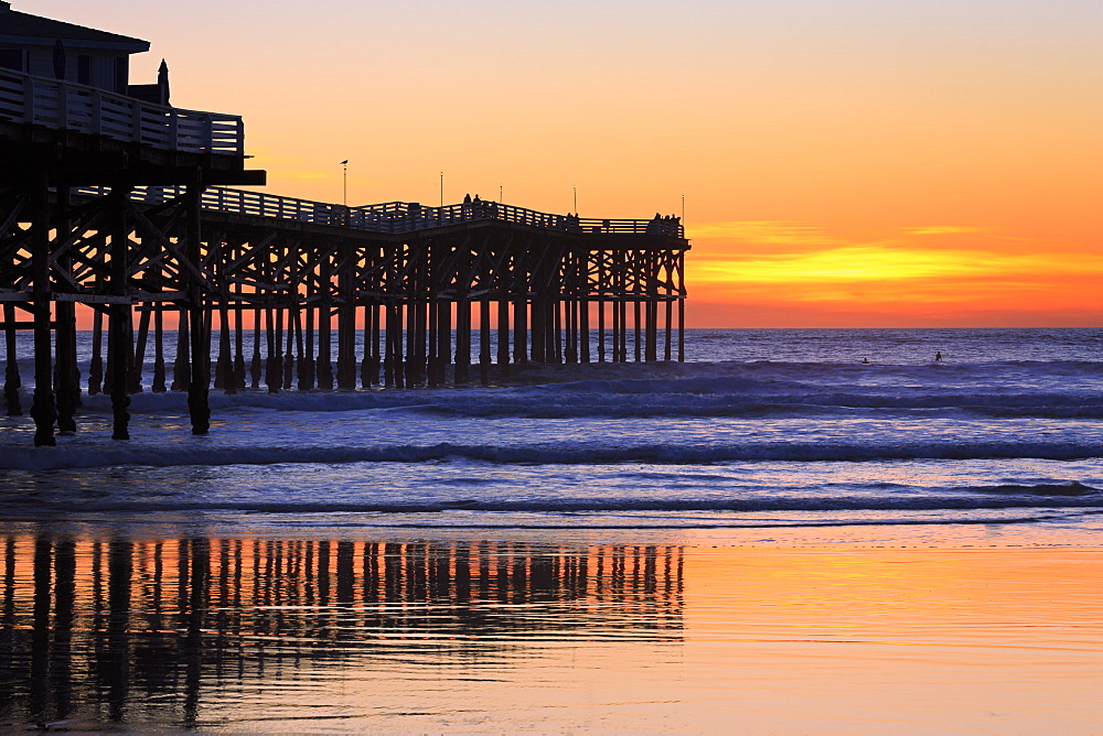 Crystal Pier, Pacific Beach, San Diego, California, United States of America, North America