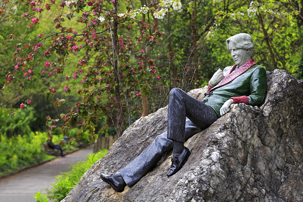 Oscar Wilde Sculpture, Merrion Square, Dublin City, County Dublin, Republic of Ireland, Europe