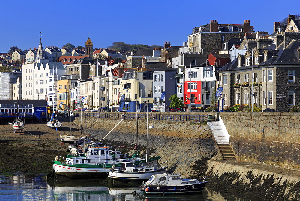 North Esplanade, St. Peter Port, Guernsey, Channel Islands, Europe - 776-5033