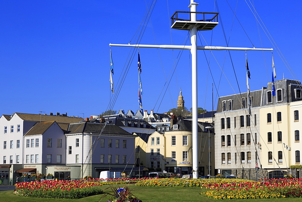 Memorial Mast, North Esplanade, St. Peter Port, Guernsey, Channel Islands, Europe - 776-5035
