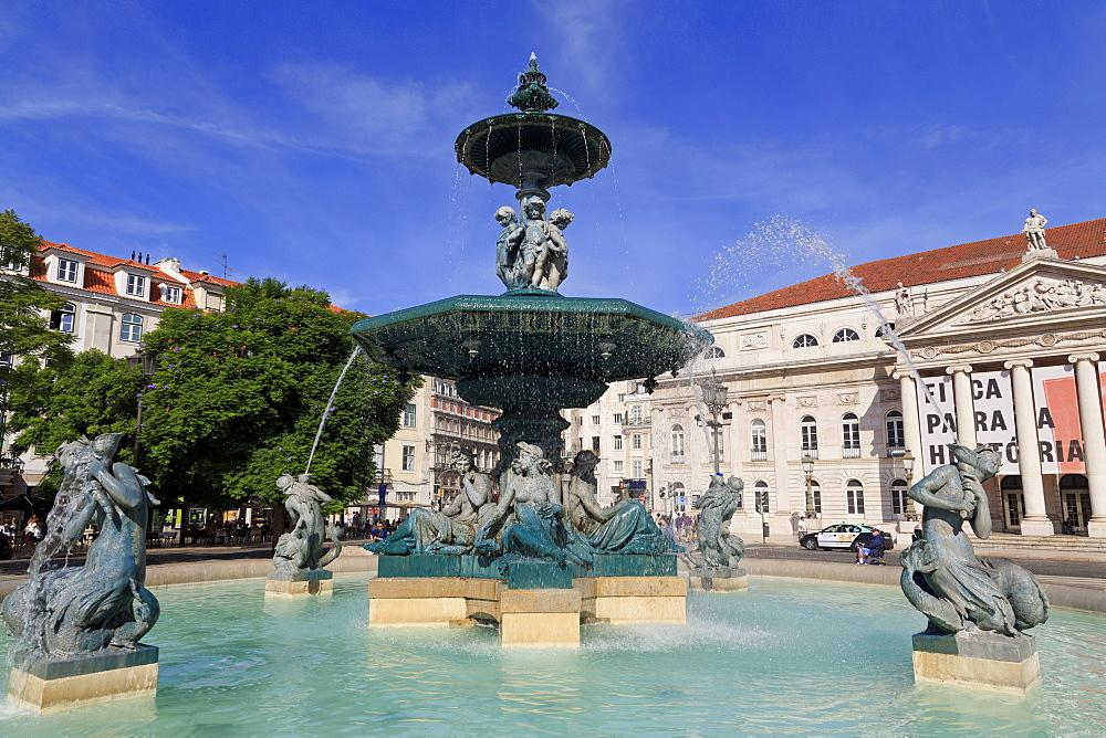 Fountain, Praca Do Rossio, Lisbon, Portugal, Europe