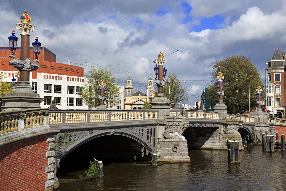 Blauwbrug Bridge, Amsterdam, North Holland, Netherlands, Europe