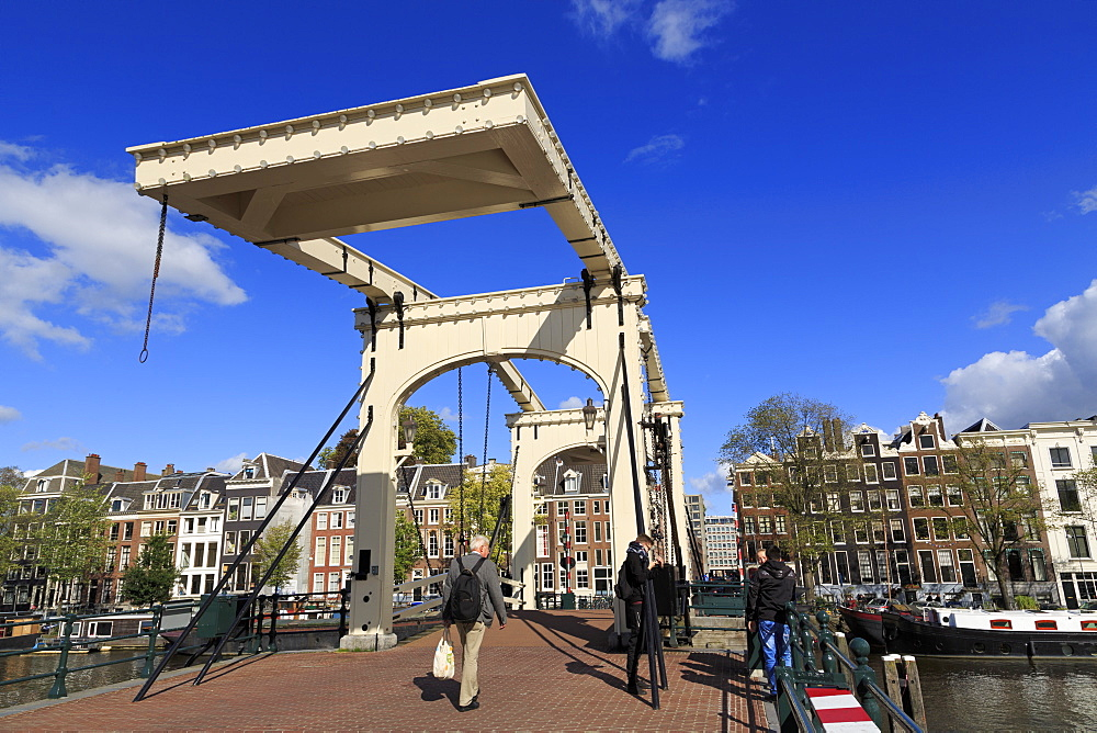 Magere Brug (Skinny Bridge), Amsterdam, North Holland, Netherlands, Europe - 776-5324
