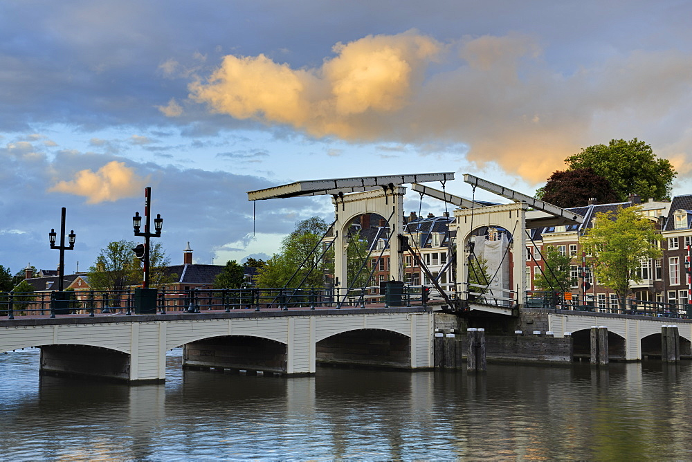 Magere Brug (Skinny Bridge), Amsterdam, North Holland, Netherlands, Europe - 776-5329