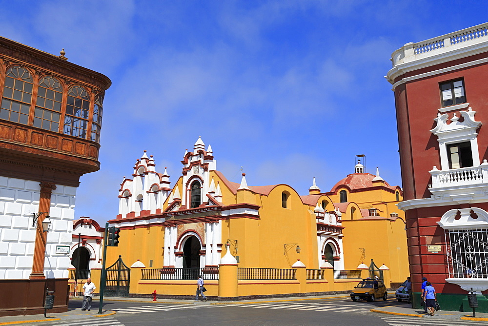 Compania de Jesus Church, Plaza de Armas, Trujillo, Peru, South America