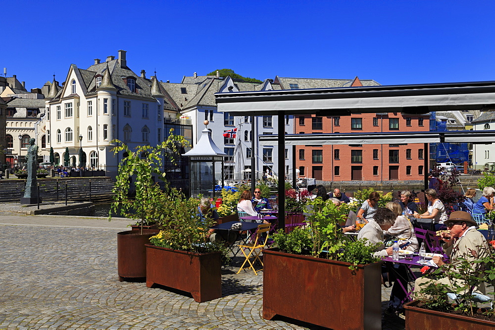 Lorkenes Square, Alesund City, More og Romsdal County, Norway, Scandinavia, Europe