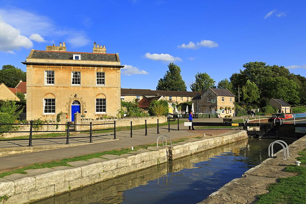 Locks, Kennet and Avon Canal, Bradford on Avon, Wiltshire, England, United Kingdom, Europe - 776-5527