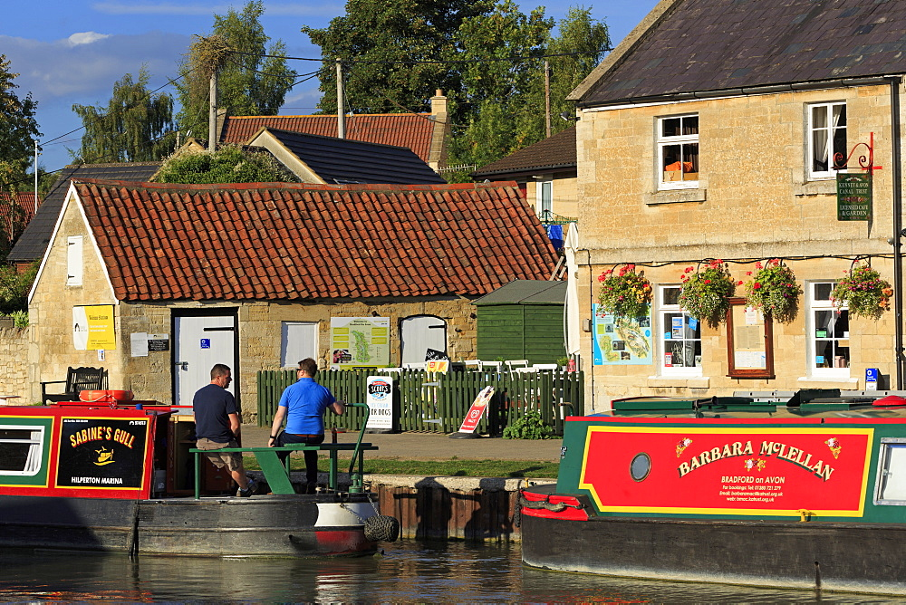 Barges, Kennet and Avon Canal, Bradford on Avon, Wiltshire, England, United Kingdom, Euruope