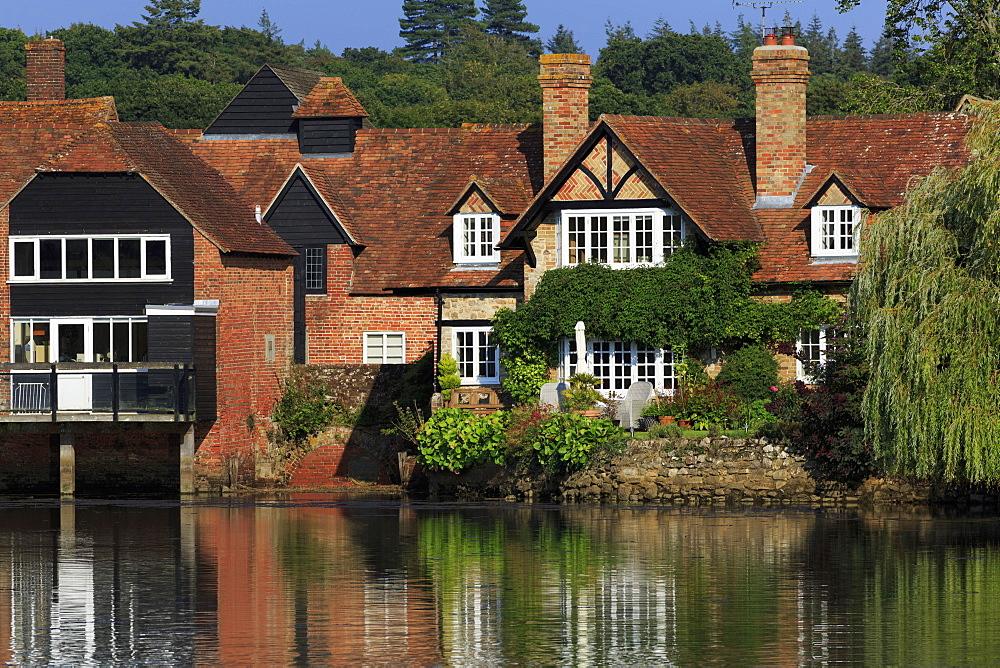 Beaulieu Village, New Forest, Hampshire, England, United Kingdom, Europe - 776-5561