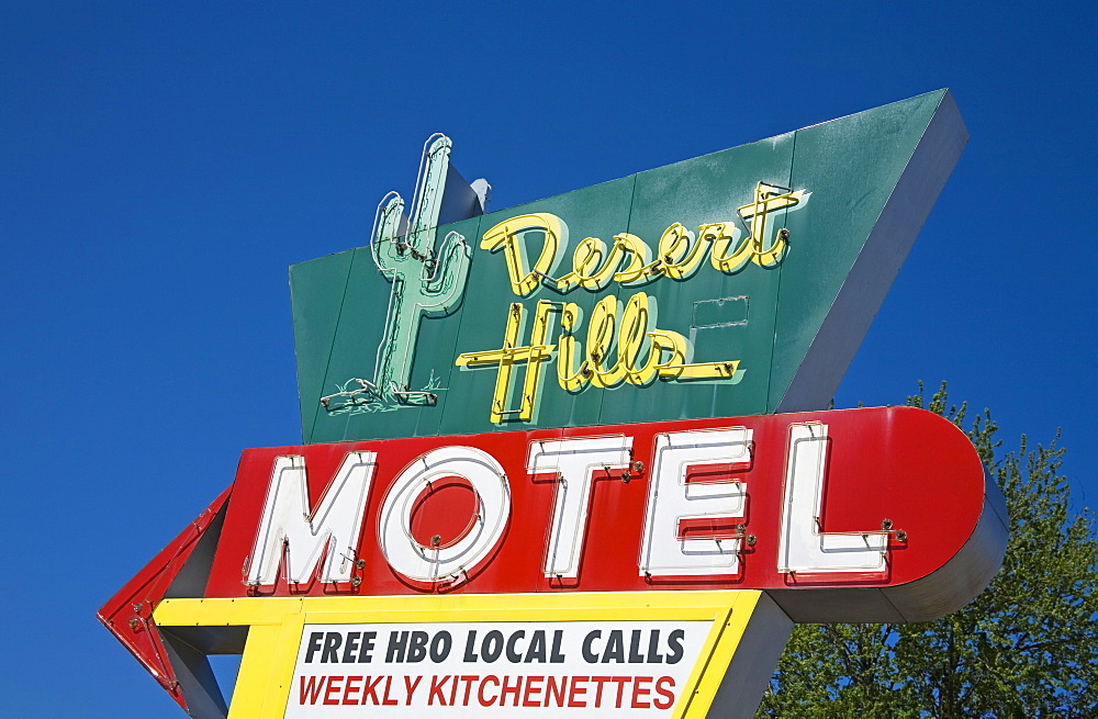 Desert Hills Motel Sign, Historic Route 66, Downtown Tulsa, Oklahoma, United States of America, North America