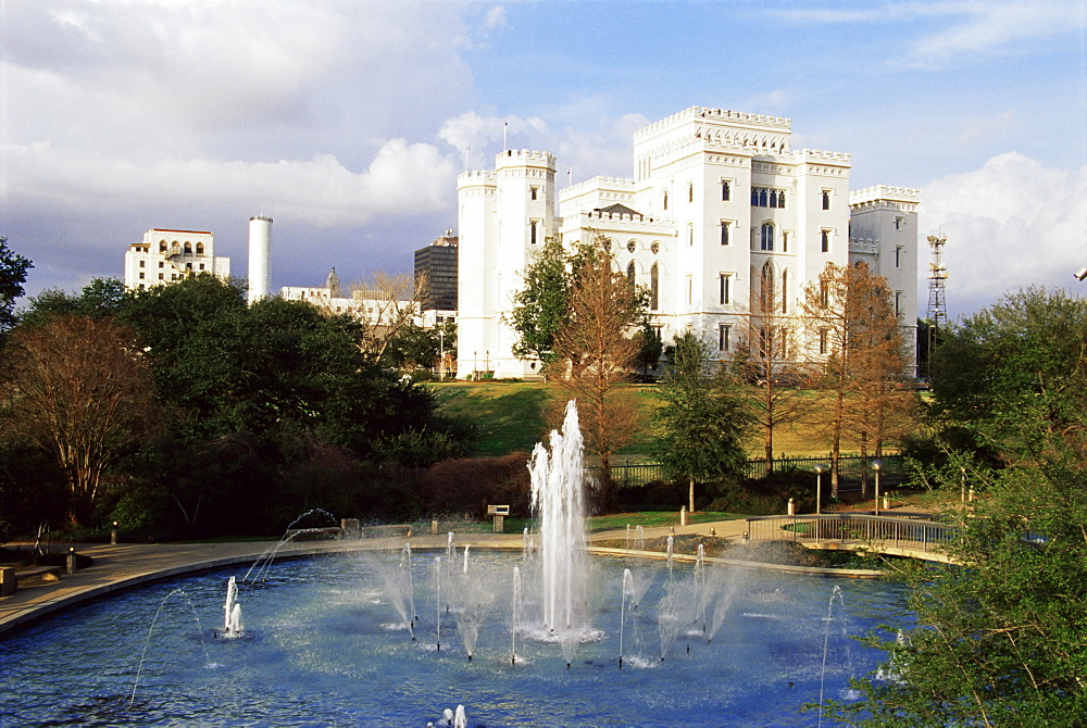 Repentance fountain and old State Capitol Building, Baton Rouge, Louisiana, United States of America, North America