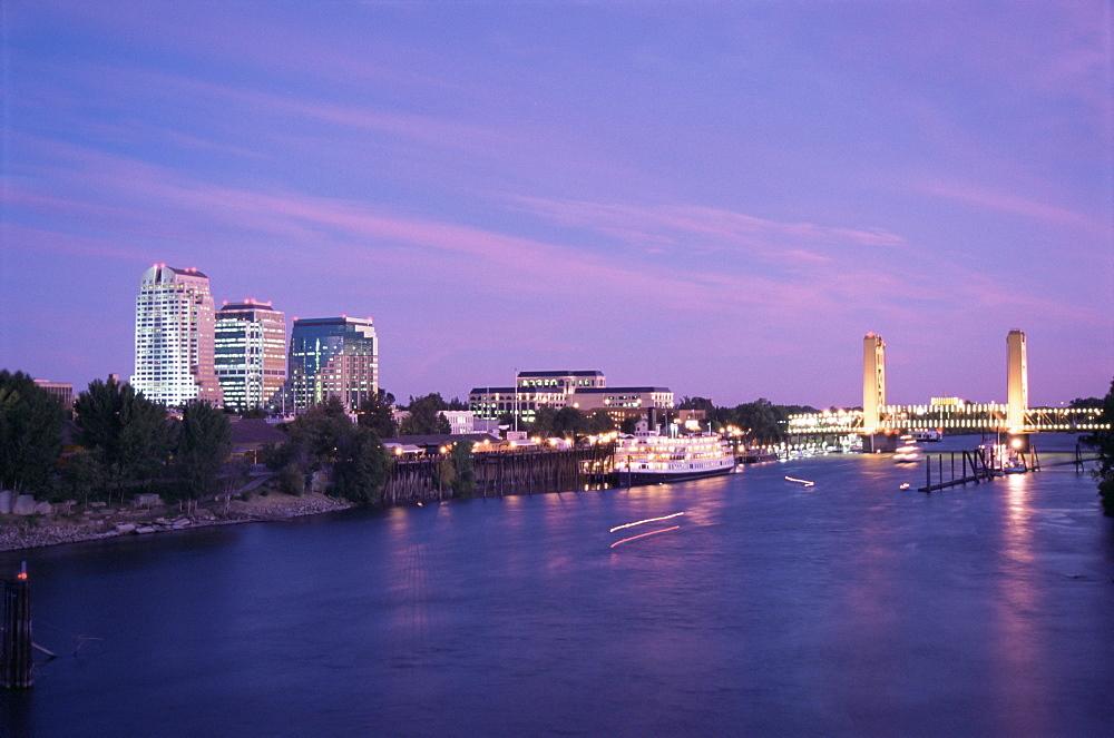 Tower Bridge and Sacramento skyline, California, United States of America, North America