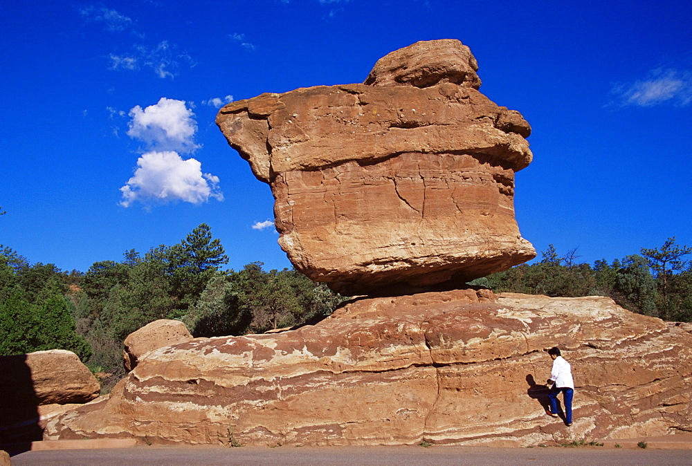 Balanced Rock, Garden of the Gods Park, Colorado, United States of America, North America