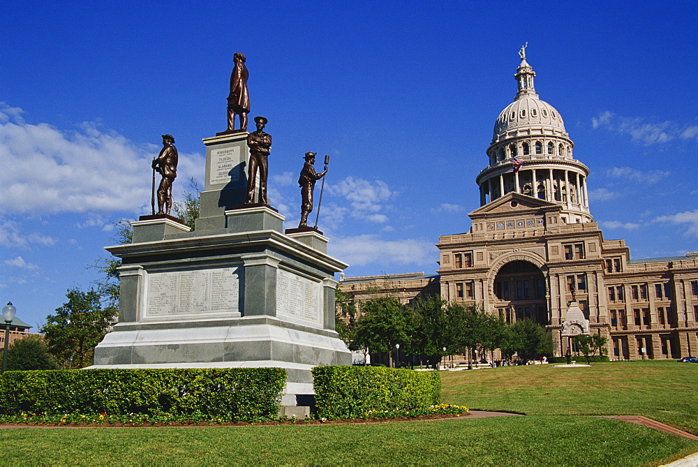 World War II Memorial and State Capitol Building, Austin, Texas, United States of America, North America