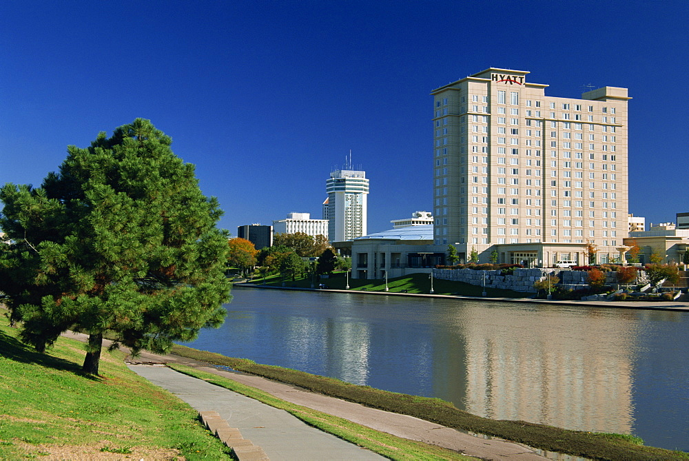 Big Arkansas River and city skyline, Wichita, Kansas, United States of America, North America
