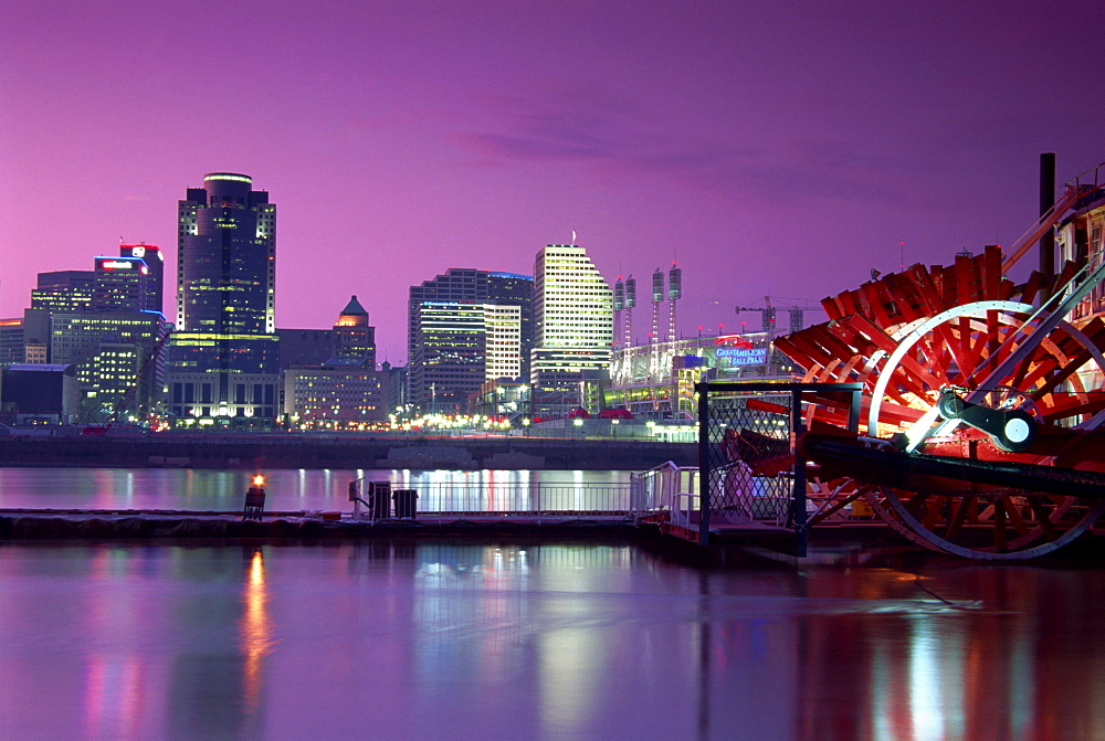 Riverboat and city skyline, Cincinnati, Ohio, United States of America, North America