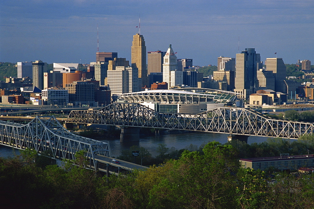 City skyline and Ohio River, Cincinnati, Ohio, United States of America, North America
