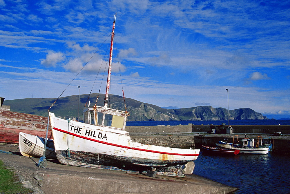 Keel Pier, Achill Island, County Mayo, Connacht, Republic of Ireland, Europe