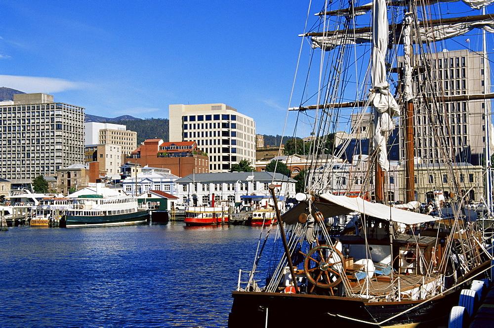 Sailing ship, Elizabeth Pier, Hobart, Tasmania, Australia, Pacific