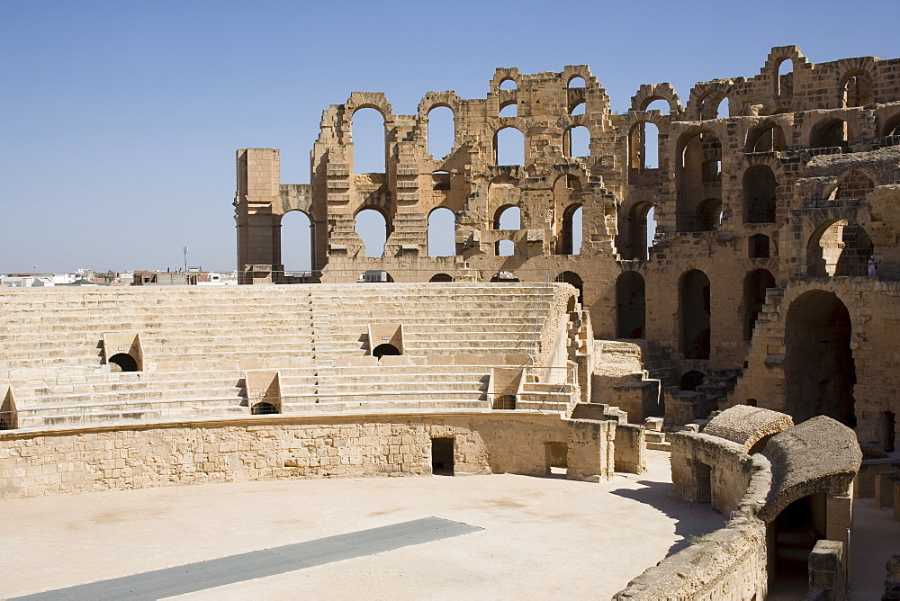 Amphitheatre, El Jem (El Djem), UNESCO World Heritage Site, Tunisia, North Africa, Africa - 783-5